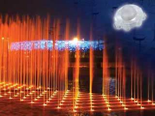 Thousands of 6-meter fountains with LED lamps by Osram