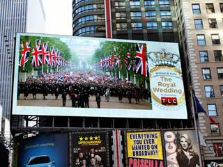 Giant 4x HD resolution outdoor LED screen by D3 LED in Times Square with pixel pitch 10 mm