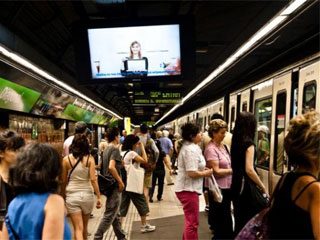LCD digital signage in Barcelona metro
