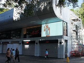 Наружный светодиодный SMD экран за стеклом в Гонконге