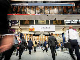 JCDecaux digital billboard at Liverpool Street Station in London