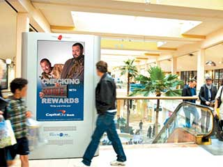 Digital signage with sound in shopping mall