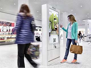 Clear Channel digital signage in shopping mall